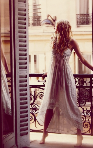 Free People January 2011 Catalog - Guy Aroch