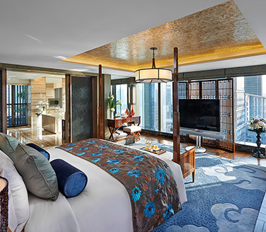 Complimentary stay at Mandarin Oriental Hotels exclusively for The Platinum Card®